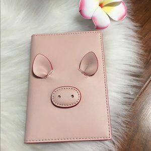 Kate spade pig Imogene passport holder